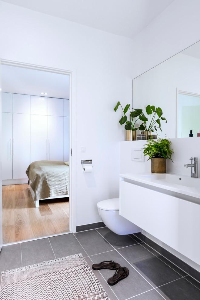 Modern Master Bathroom