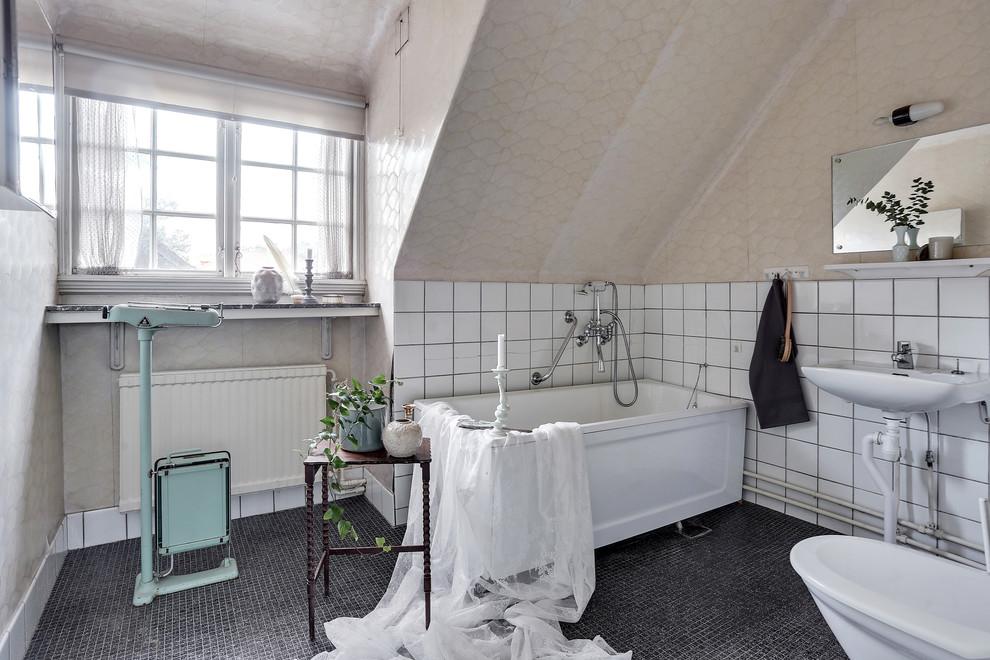 Scandinavian Master Bathroom