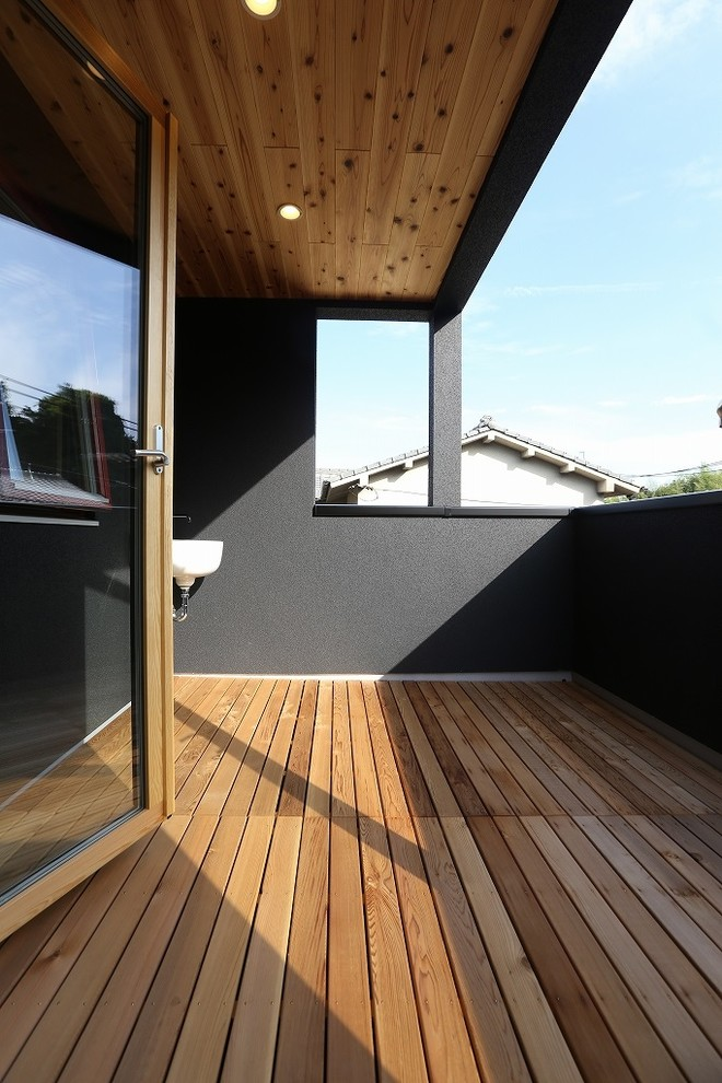 Asian Balcony Design