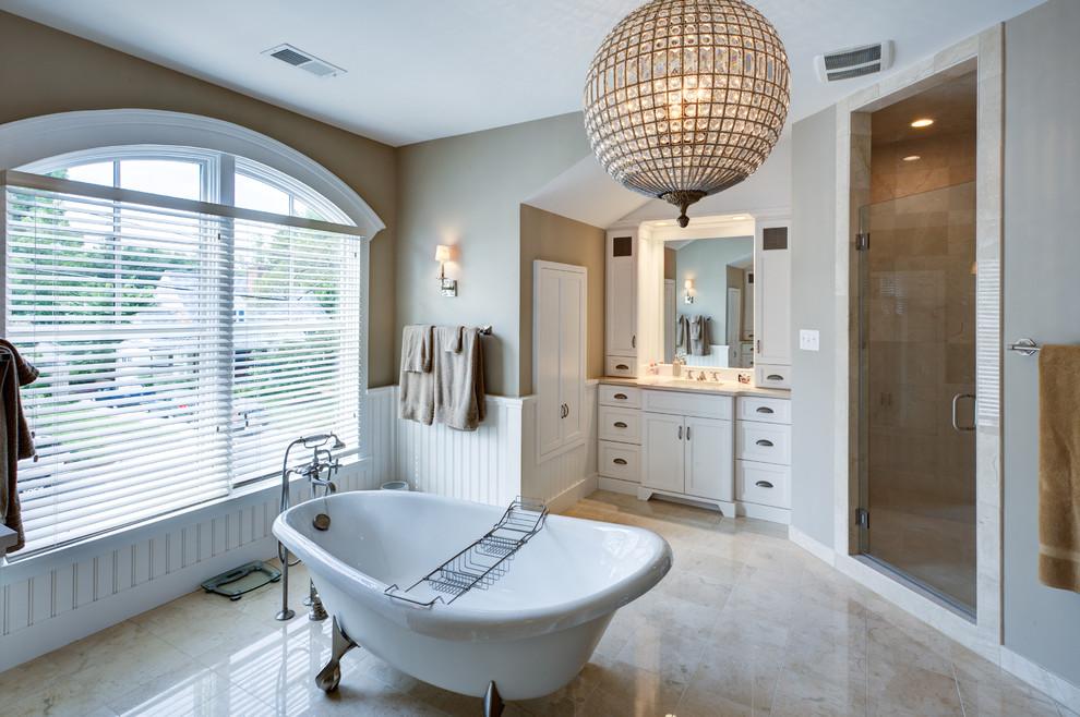 Modern Bathroom Design With Claw-Foot Tub