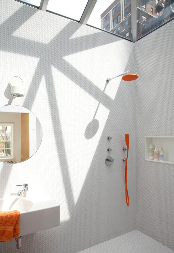 Modern Bathroom Design With White Tile