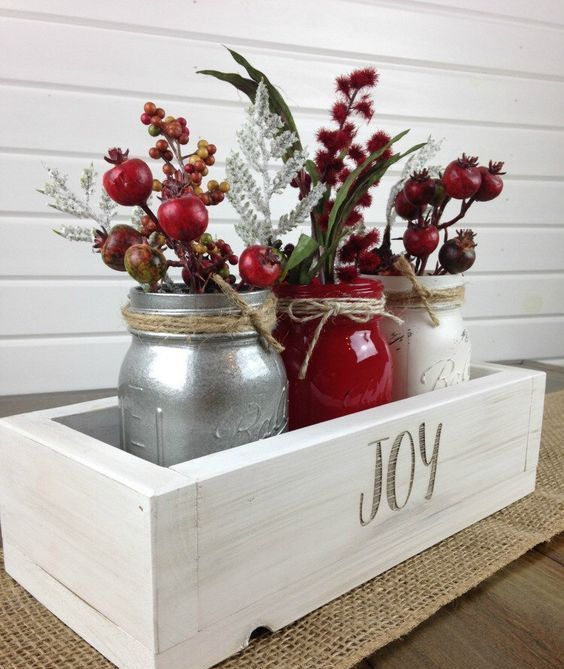 Red and White Christmas Decoration Ideas