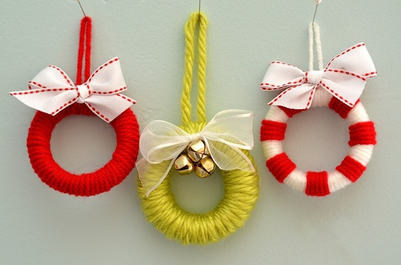 Miniwreaths With Diy Christmas Ornaments