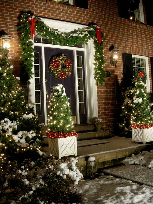 Outdoor Christmas Garland Ideas