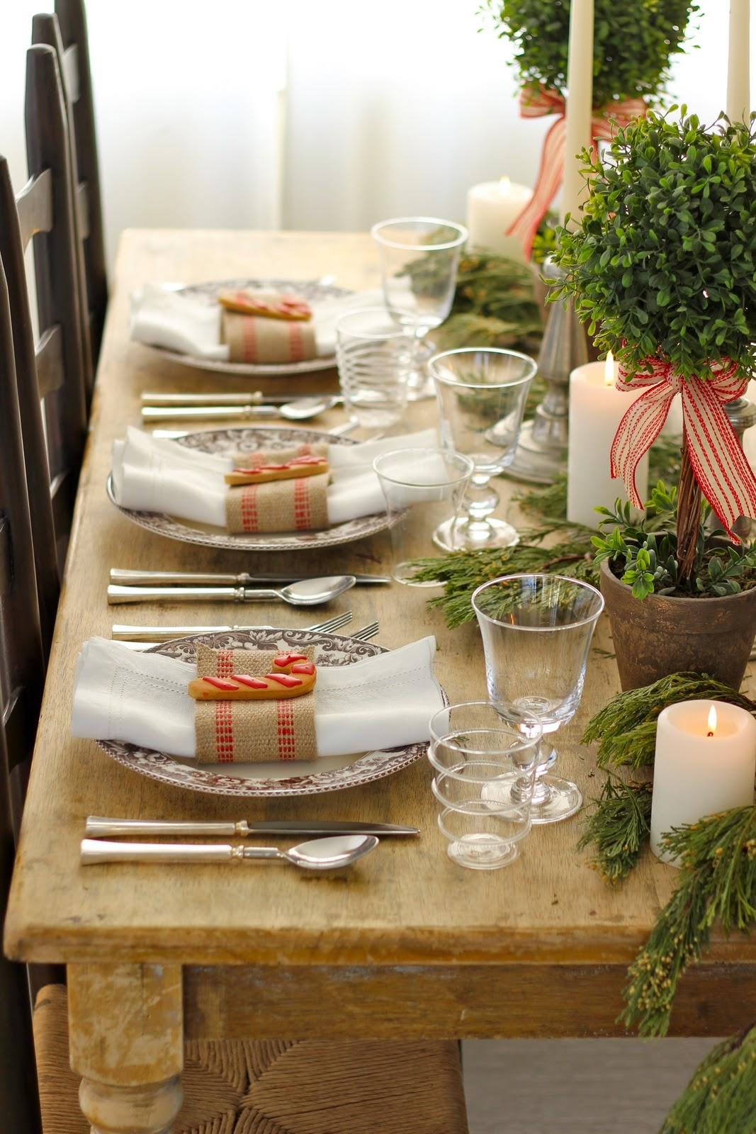 Rustic Christmas Table Setting
