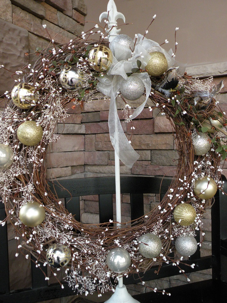 Dollar Tree DIY Christmas Wreath Ideas