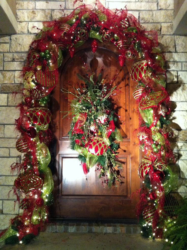 Front Door Christmas Deco Idea