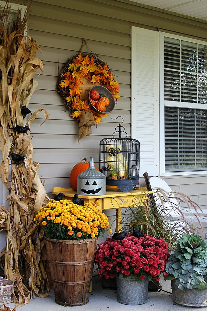 Halloween Porch Decoration With Flowers & Pumpkin