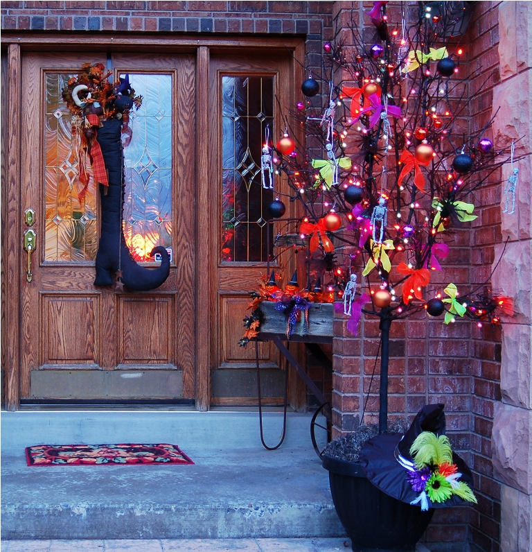 Porch Halloween Tree Decoration
