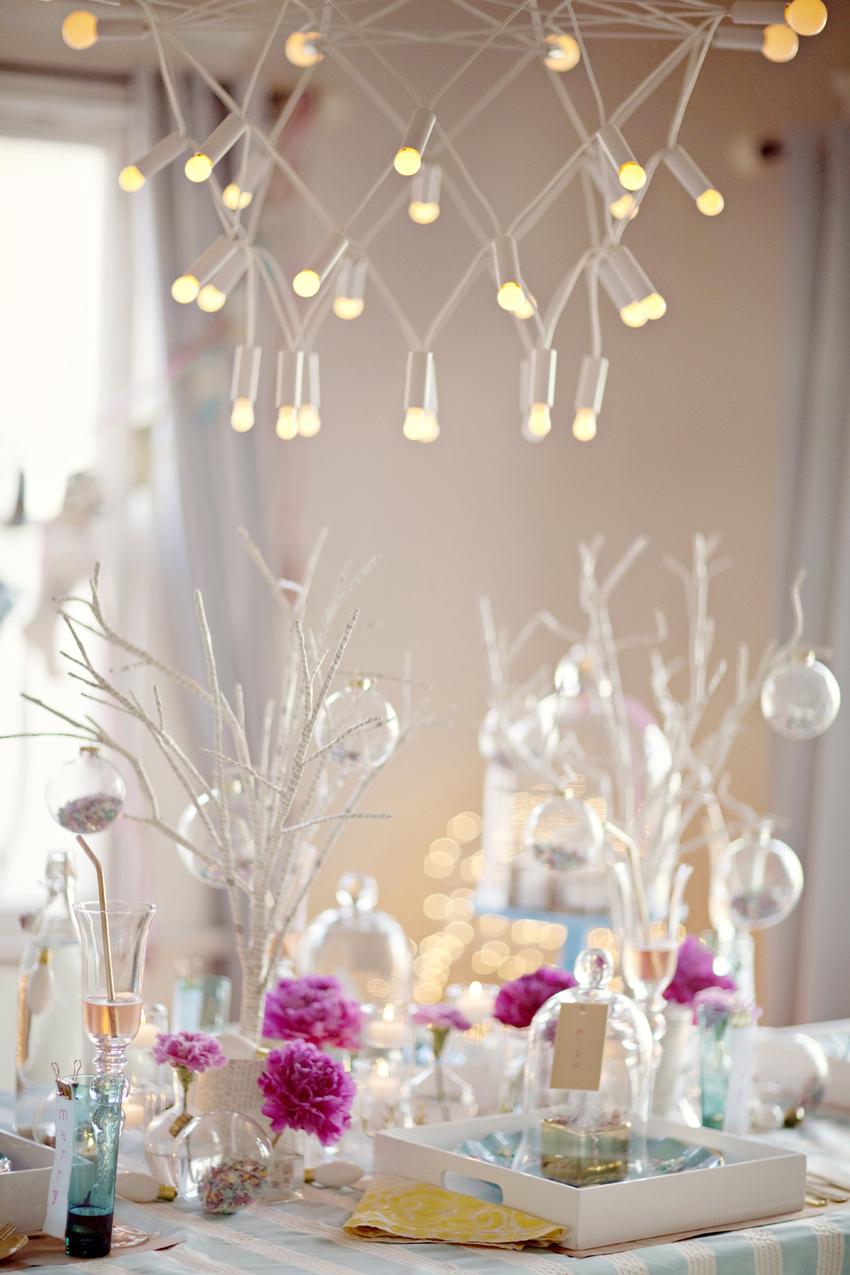 Bright Christmas decor Dwellingdecor