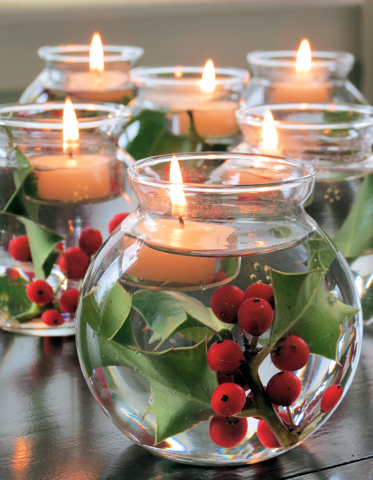 DIY Beautiful Floating Candles Thewowdecor