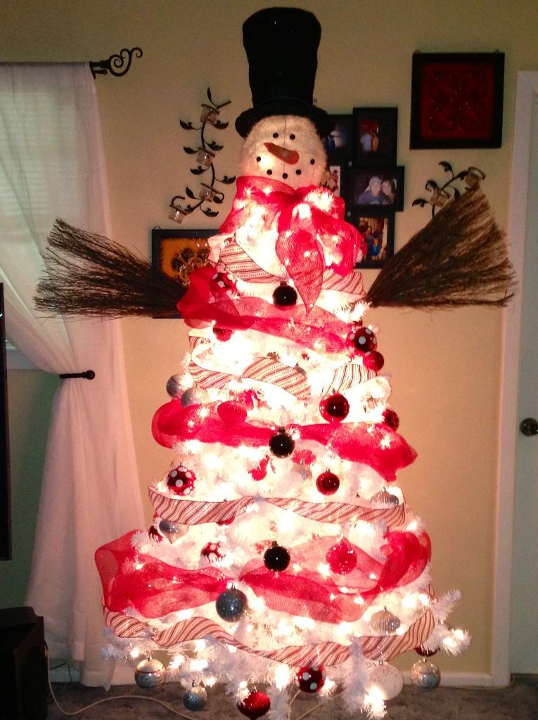 DIY White Christmas Tree Snowman Thewowdecor