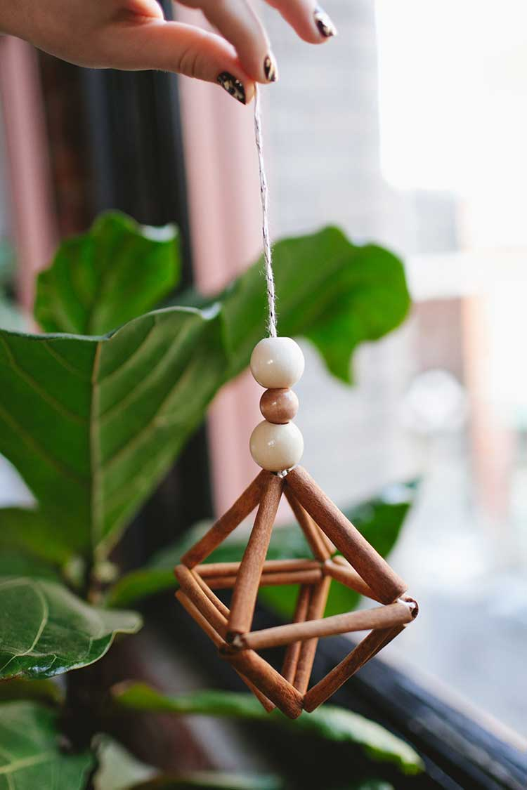 DIY cinnamon stick himmeli Thewowdecor