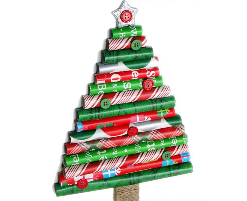DIY rolls of gift wrap Christmas Tree Thewowdecor