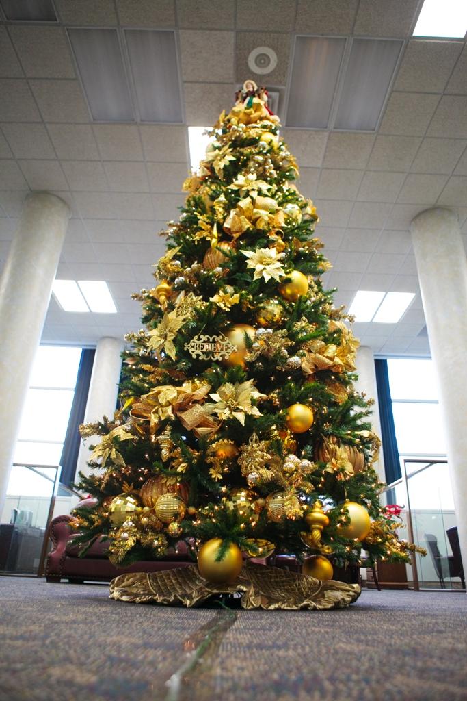 Gold Christmas Tree Decoration Thewowdecor
