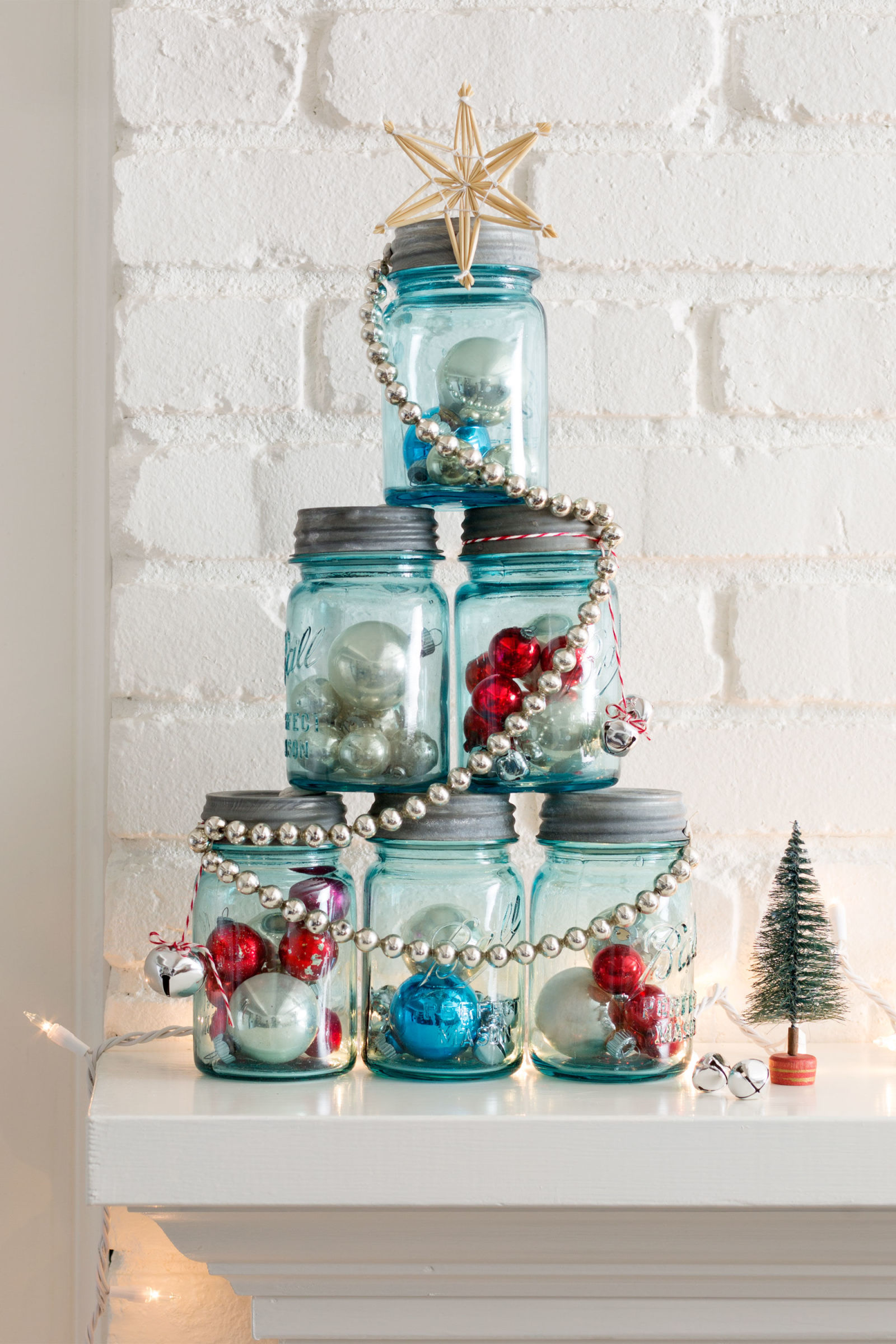 Mason Jar Christmas Tree Thewowdecor