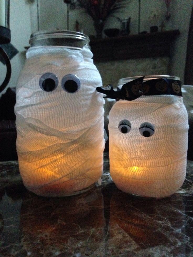 Mummy-Halloween-Craft-Mason-Jars