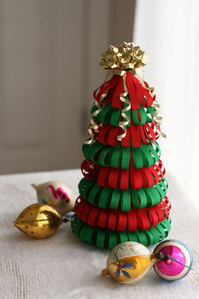 Ribbon Christmas Tree Thewowdecor