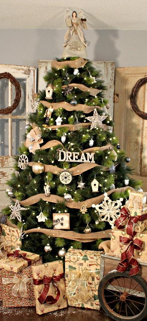 Rustic Christmas Tree Thewowdecor