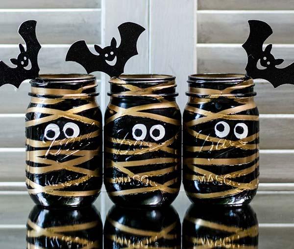 halloween-inspired-mason-jars