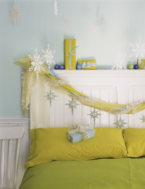 Christmas Bedroom Decor Ideas thewowdecor (26)