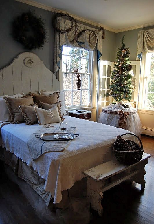 Christmas Bedroom Decor Ideas thewowdecor (36)