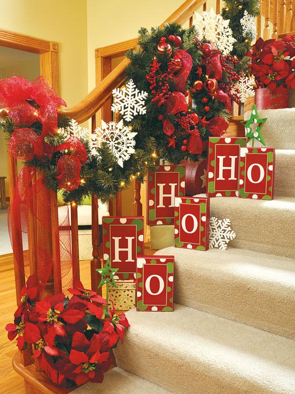 Christmas Stairs Decoration Ideas thewowdecor (15)