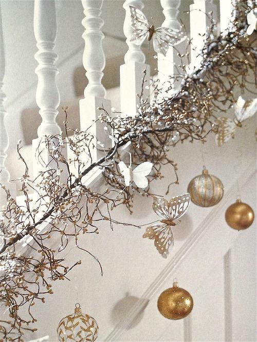 Christmas Stairs Decoration Ideas thewowdecor (21)