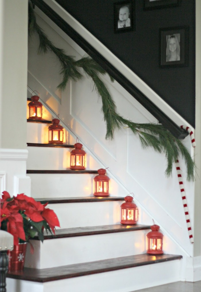 Christmas Stairs Decoration Ideas thewowdecor (31)