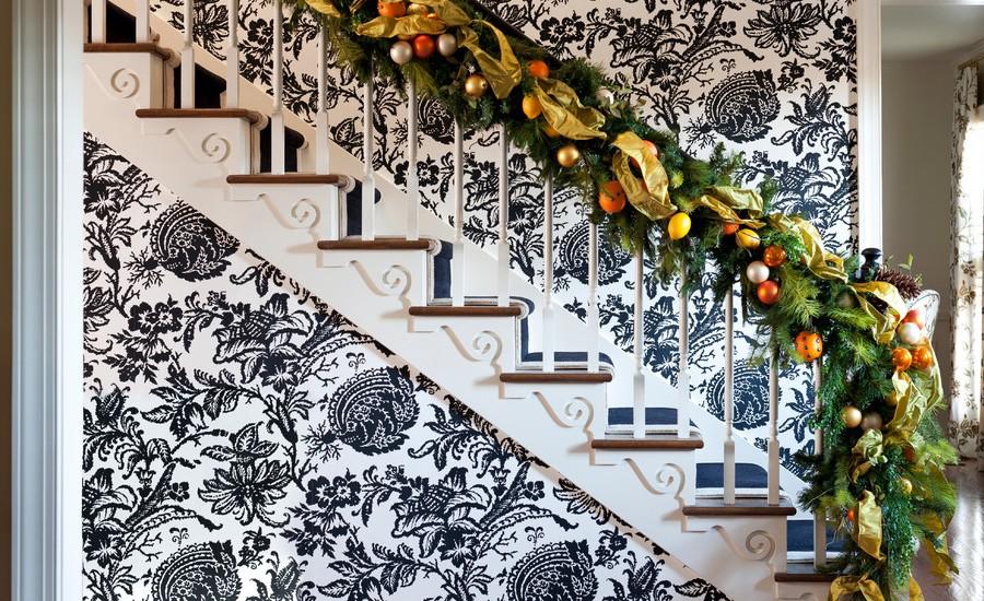 Christmas Stairs Decoration Ideas thewowdecor (40)