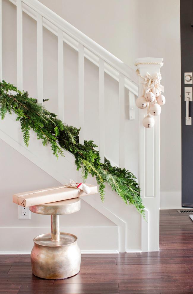 Christmas Stairs Decoration Ideas thewowdecor (5)