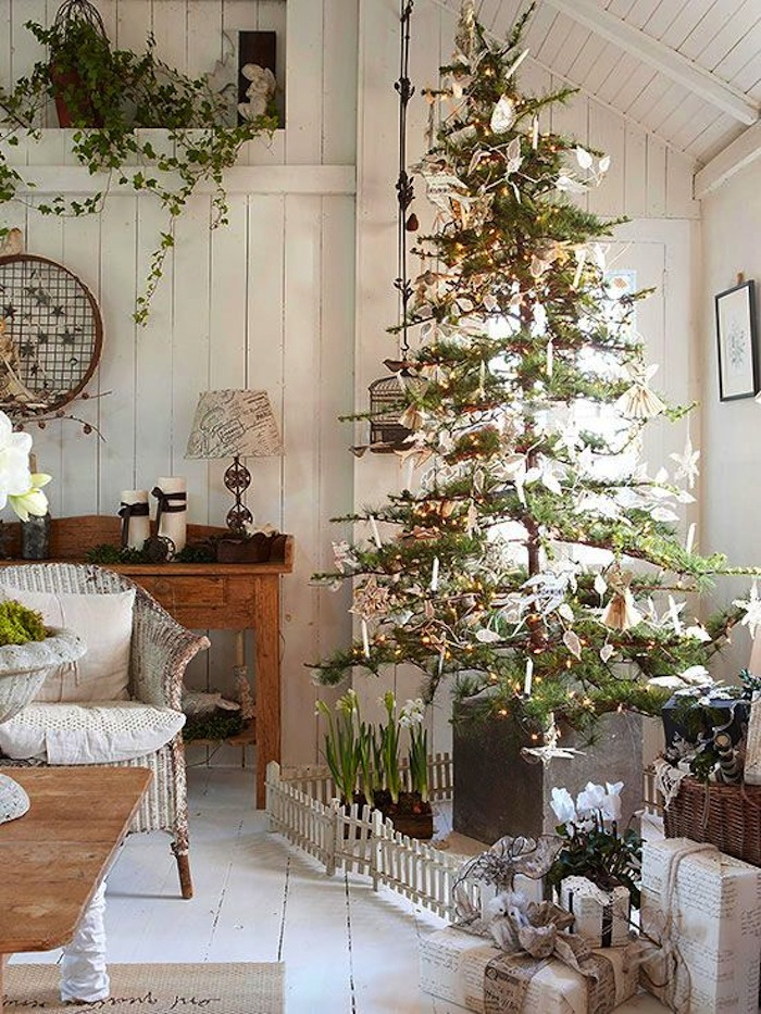 Country Christmas Tree Decorating Idea
