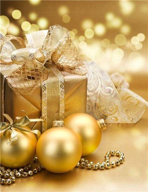 Gold Christmas Decoration Ideas (13)