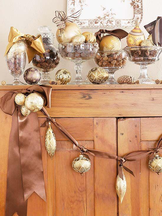 Gold Christmas Decoration Ideas (17)