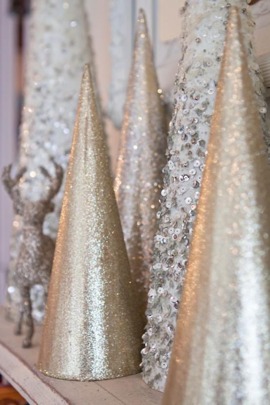 Gold Christmas Decoration Ideas (21)