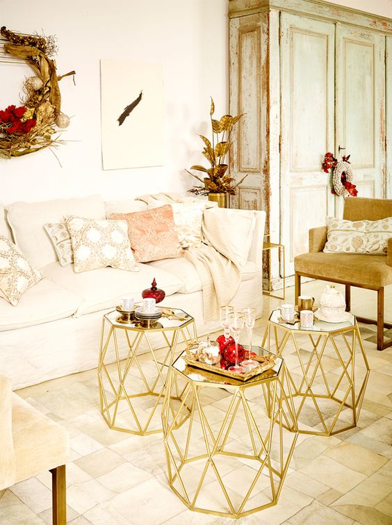 Gold Christmas Decoration Ideas (27)