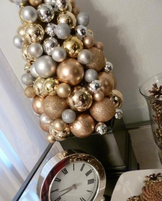 Gold Christmas Decoration Ideas (37)
