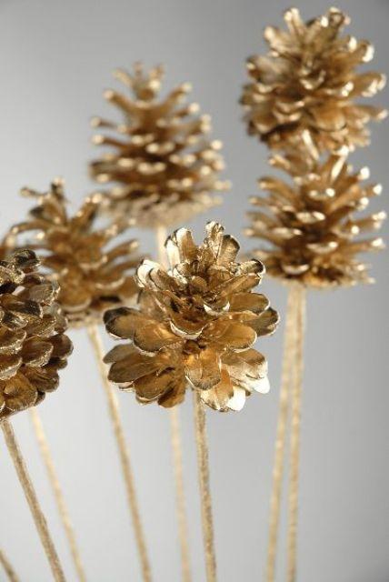 Gold Christmas Decoration Ideas (38)