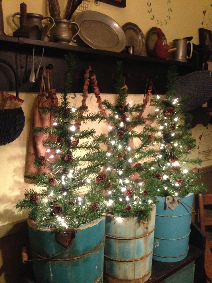 Primitive Country Christmas Decorating
