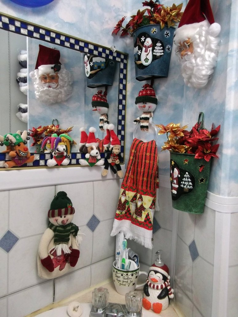 9 Cool Bathroom Christmas Decoration Ideas