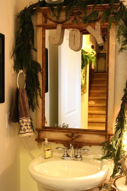 Christmas Bathroom Decor Idea