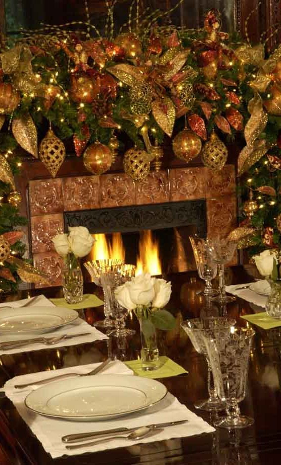 Gold Christmas Decor Ideas (7)