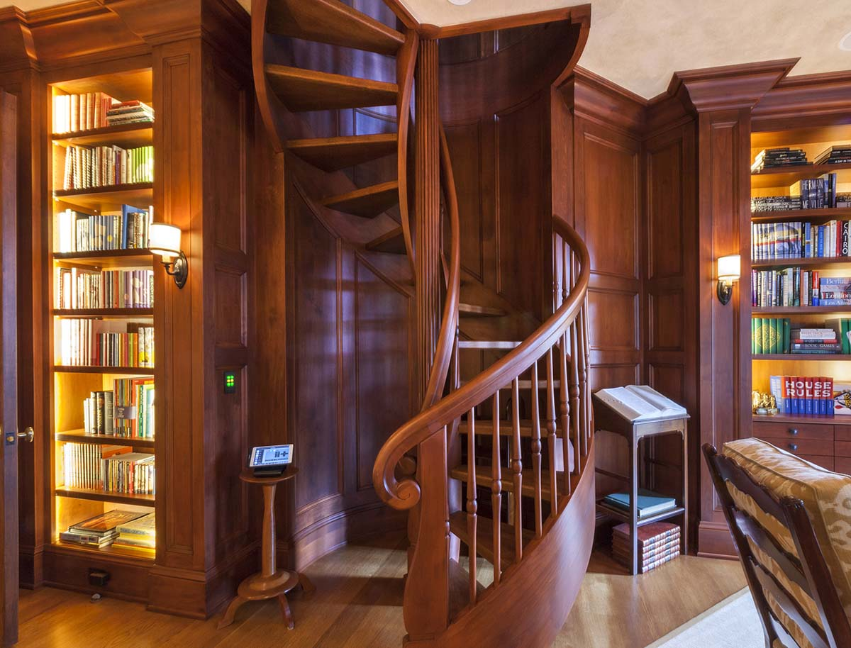 Wooden Spiral Staircase (16)