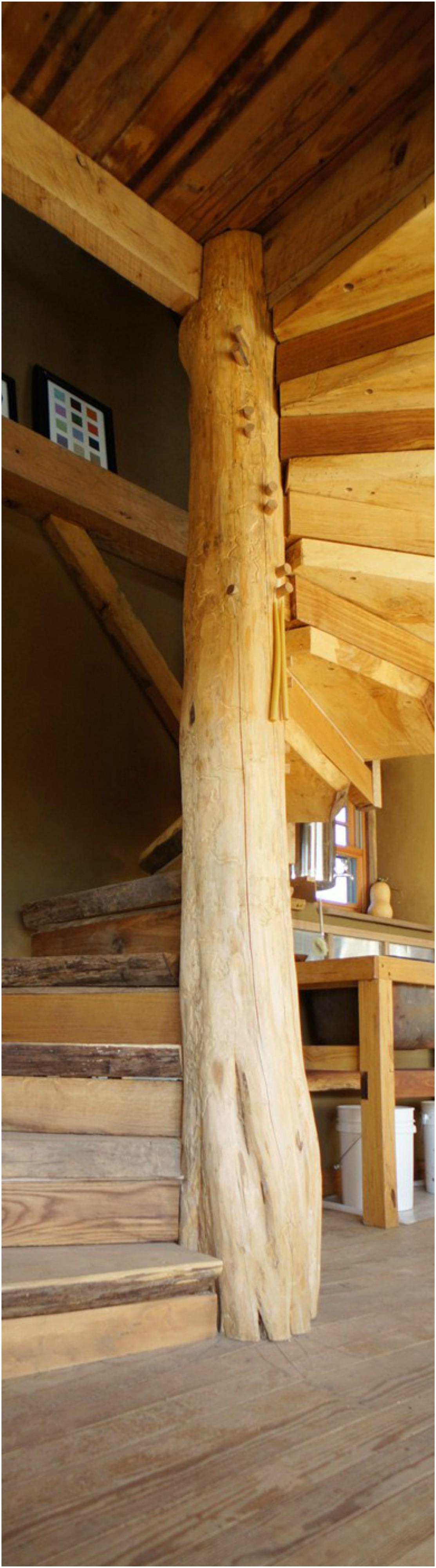 Wooden Spiral Staircase (25)
