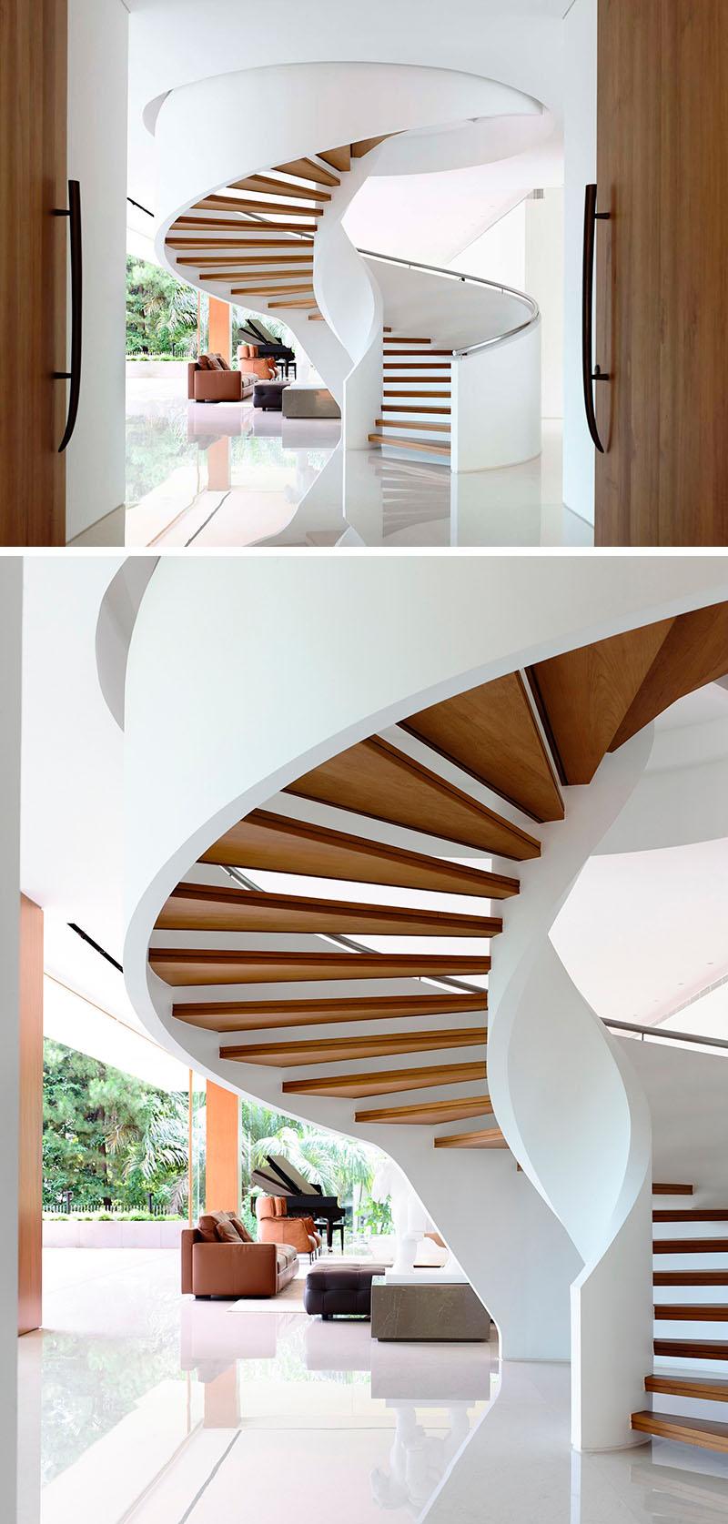 Spiral Staircase (29)