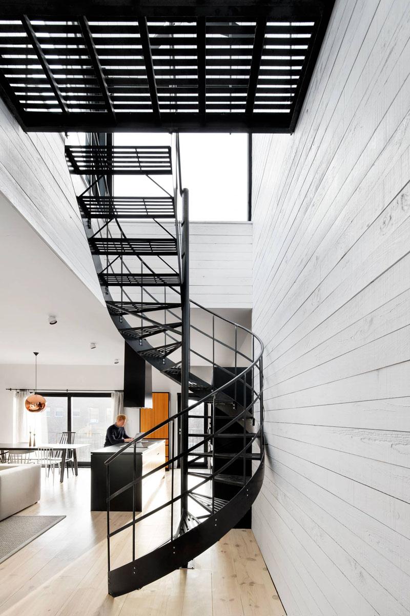 Spiral Staircase (5)