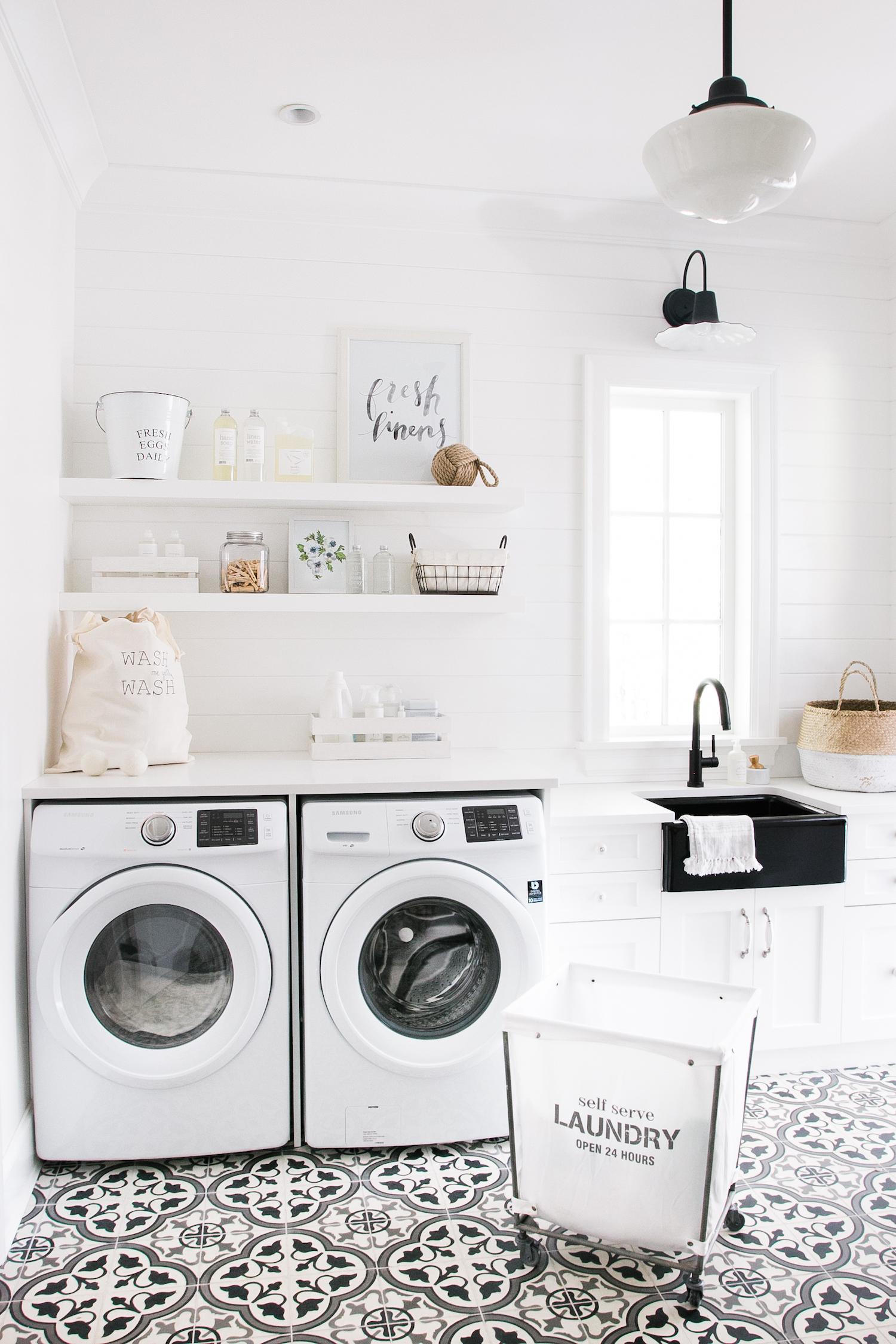 Laundry Room (15)