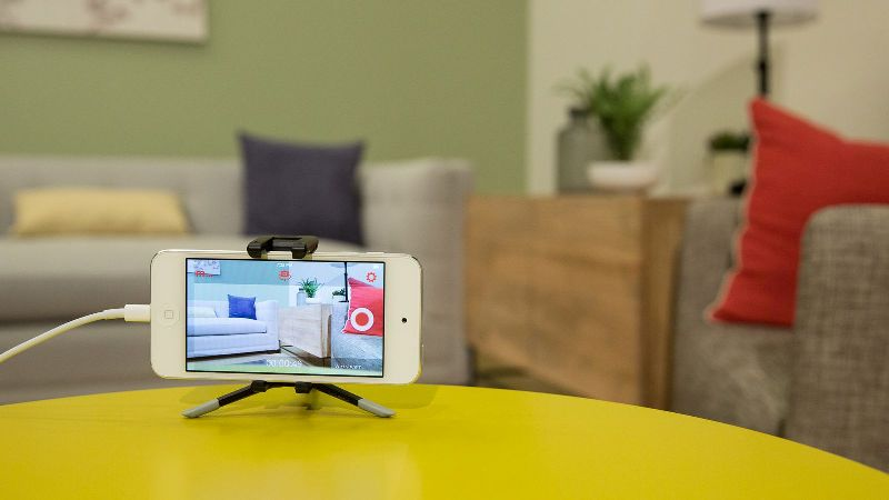 Turn Your Cell Phone into a Connected Camera