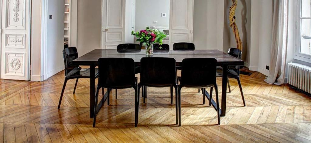 Live Edge Dining Tables