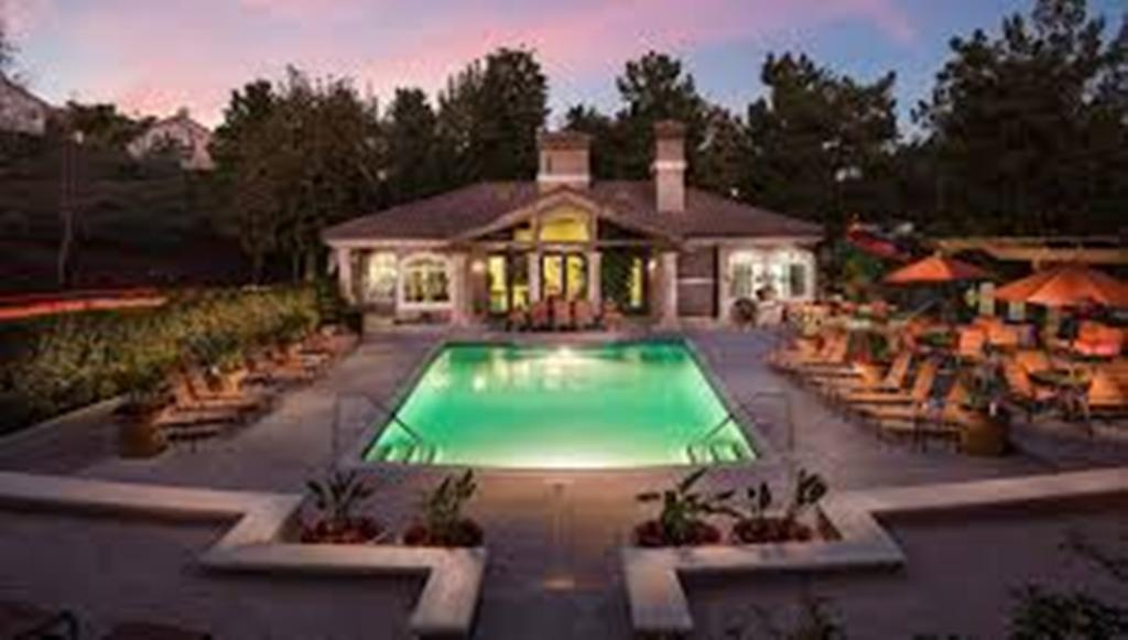 What Can You Expect When You Hire Ladera Ranch Pool Services
